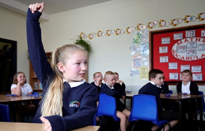 Британия дети 3 Суровые английские правила запрещают детям не только шутить о КОВИДЕ, но и кашлять. Фото: Reuters