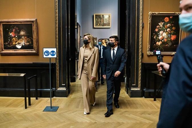 Зеленская добавила украиноязычный гид в венский музей и поблагодарила супруга фото 1