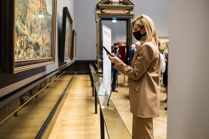 Зеленская добавила украиноязычный гид в венский музей и поблагодарила супруга фото 2