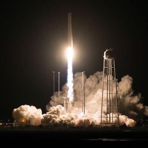 Запуск ракеты Antares.