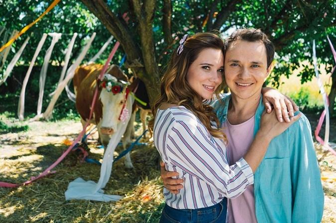 Со своим сериальным возлюбленным Костей Войтенко. Фото: пресс-служба Нового канала