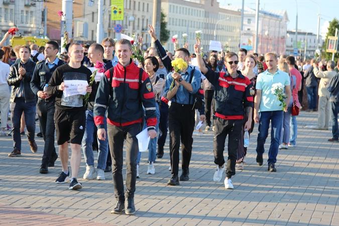 Беларусь сегодня: воскресные митинги, запугивающие смс-ки от милиции и рост цен фото 2