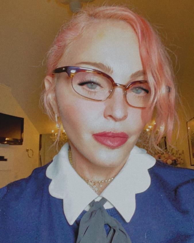 Резко сменившая имидж Мадонна шокировала подписчиков: Что случилось со скулами? фото 2