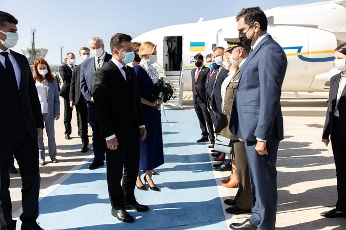 Владимир Зеленский и Елена Зеленская прилетели в Турцию.