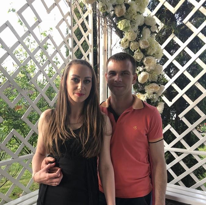 Наташа и Вадим Коваль поженились через месяц после знакомства, влюбившись друг в друга с первого взгляда. Фото: Фейсбук.