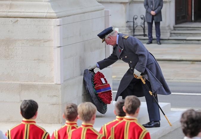 Принц Гарри и Меган Маркл по-своему почтили память павших солдат Британского Содружества, и снова попали под шквал критики