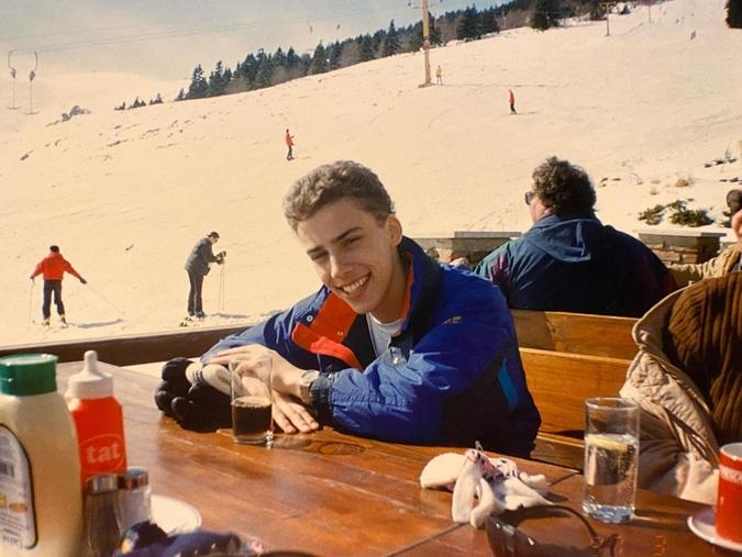 Смельчак Галкин после спуска с горы.