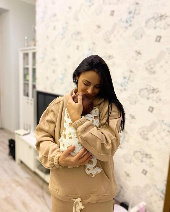 Илона Гвоздева считает, что прежде всего женщина должна состояться как мама, но от своей мечты тоже отказываться не нужно. Фото: Инстаграм Гвоздевой