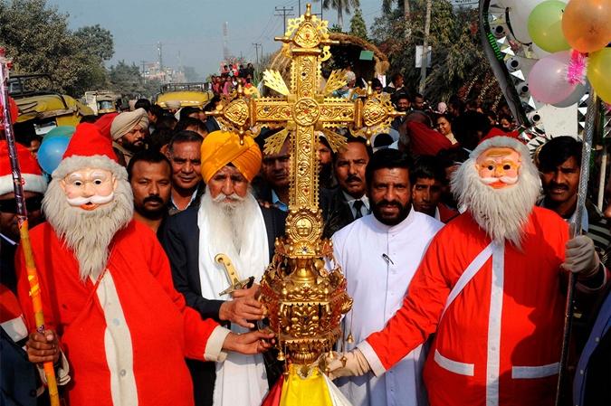 Найактивніше Новий рік відзначають в тих регіонах Індії, де багато християн. Фото: NARINDER NANU