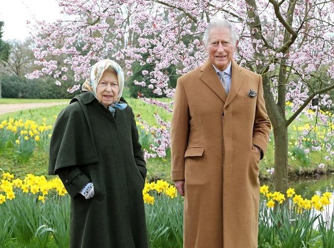 королева Елизавета 2, принц Чарльз