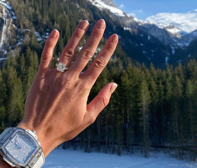 Элина Свитолина объявила о помолвке и заинтриговала свадьбой в июле: кольцо уже на пальце