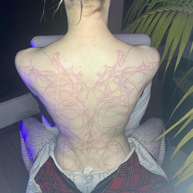 Граймс татуировка
