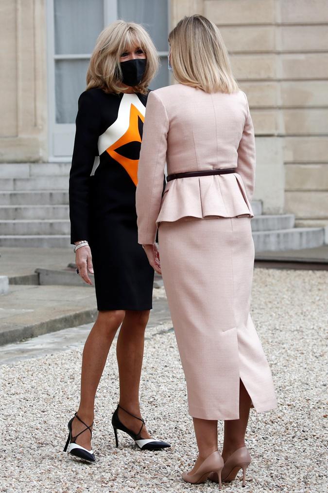 Брижит Макрон и Елена Зеленская на встрече в Париже
