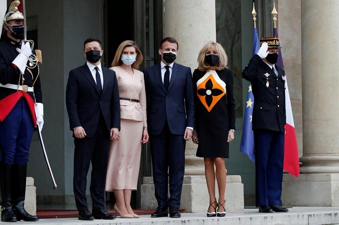 наряды Брижит Макрон и Елены Зеленской на встрече в Париже