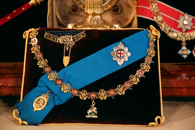 Знаки отличия мужа королевы Елизаветы 2