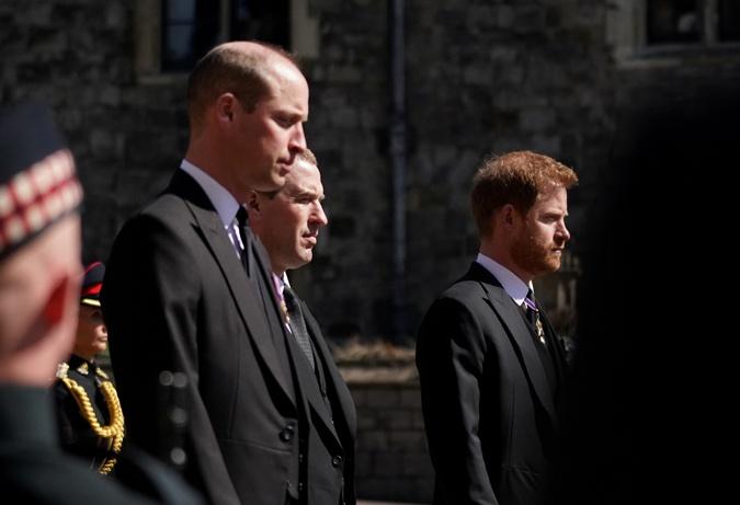 принц Уильям и принц Гарри на похоронах Филиппа