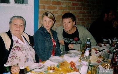 Андрей Данилко (справа) отлично поладил с бабушкой Андрея Разина.