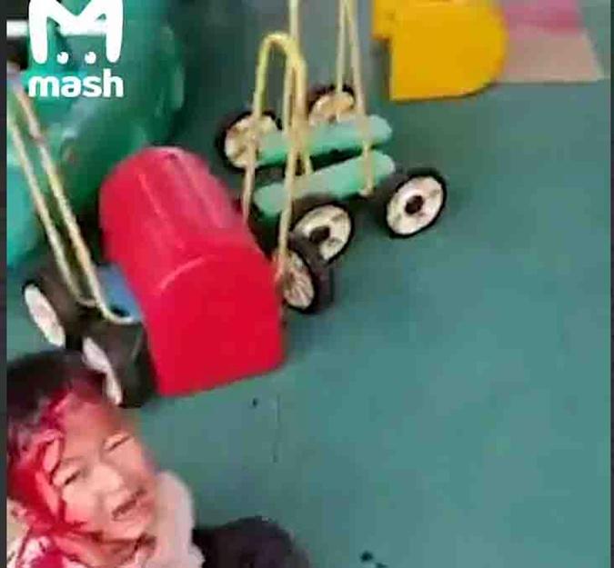 Китай напали на детей