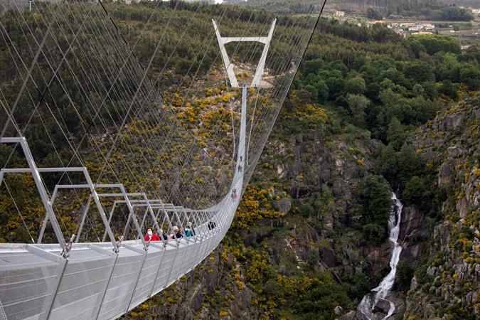 Самый длинный пешеходный мост в мире