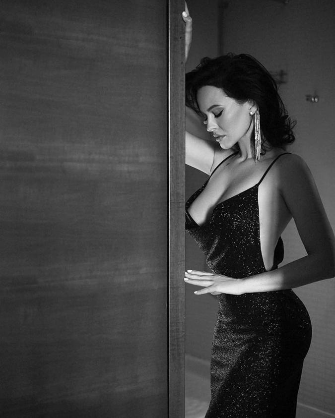даша астафьева в платье