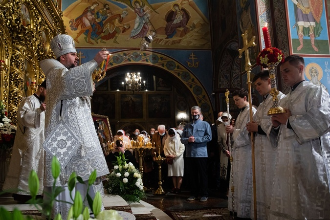 Петр Порошенко в церкви