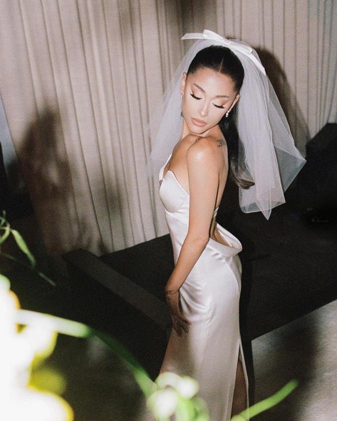 свадебный наряд арианы гранде