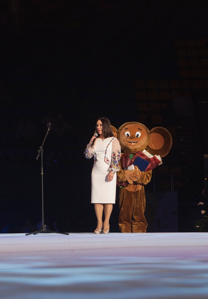 Стелла Захарова: День аренды Дворца спорта - 250 тысяч гривен. Мы заложники этого нафталина