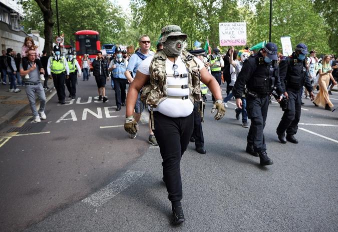 полицейские на протестах