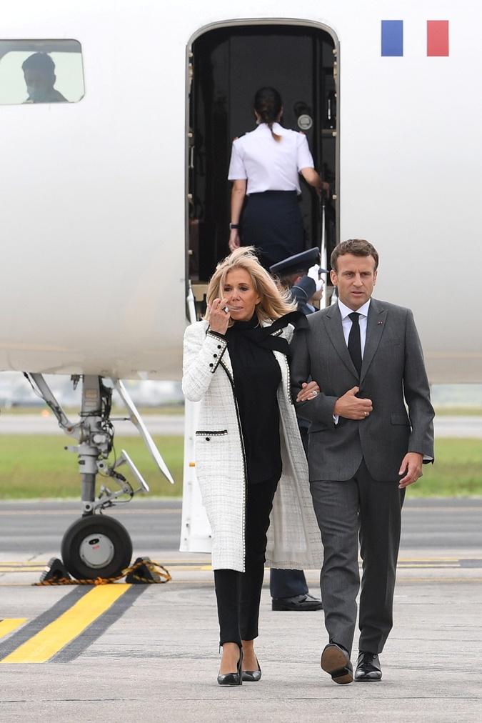 Эммануэль и Брижит Макрон прилетели на саммит G7 2021