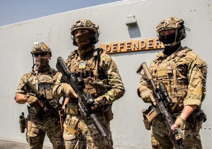 Украинские военные, Defender
