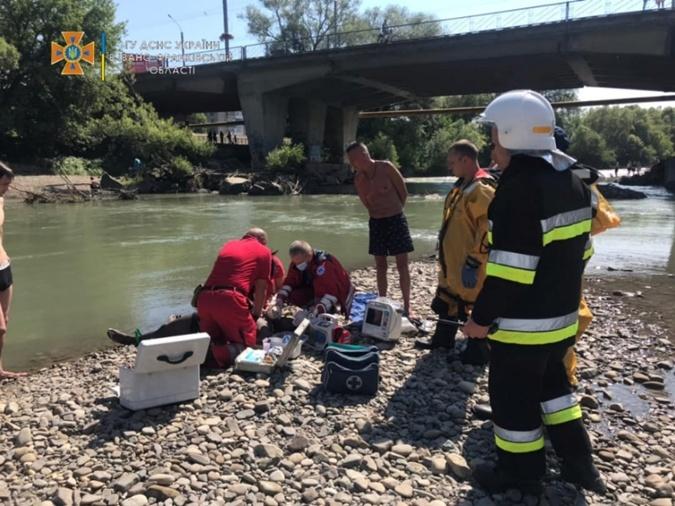 Мэр Ивано-Франковска запретил купаться в городской реке под угрозой штрафа в 50 тысяч гривен фото 1