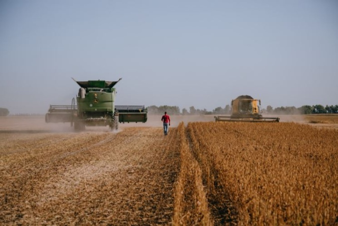 Сбор сои на полях аграрного холдинга A.G.R. Group, собственником которого является Мисак Хидирян.