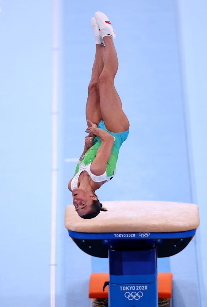 На Олимпиаде в Токио завершила карьеру 46-летняя гимнастка из Узбекистана [фото, видео]
