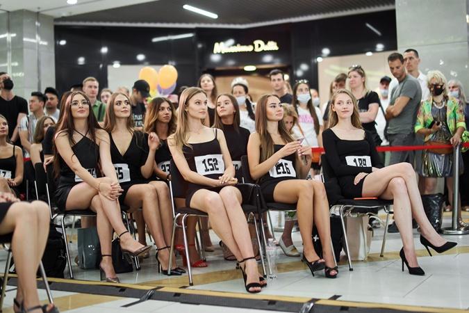 Рекордное количество девушек приняли участие в кастинге
