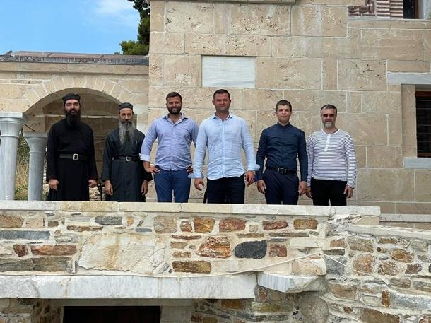 Мэр Мукачево Балога устроил себе шикарный отпуск в Греции, – блогер фото 6