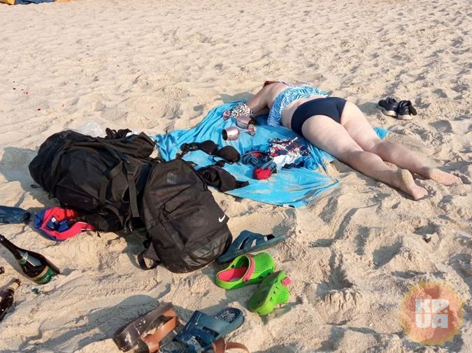 Рано утром на пляже из отдыхающих - только