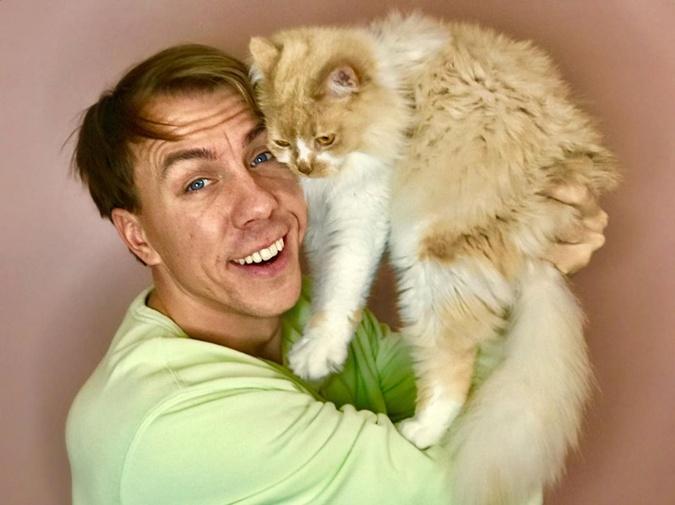 Владимир Гладкий с котом
