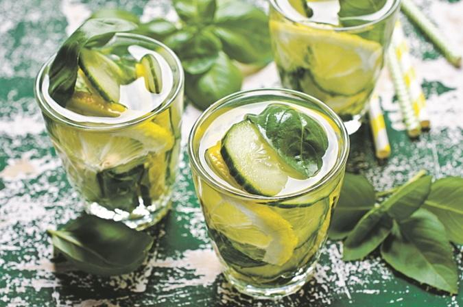 лимонад с базиликом и огурцом