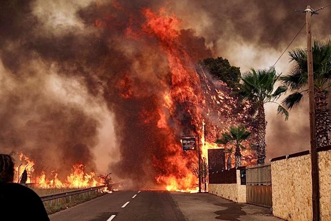 Греция горит