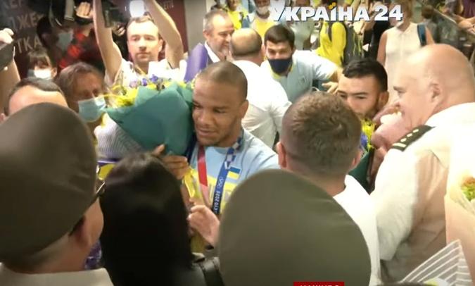 Жан Беленюк и Парвиз Насибов привезли в Украину свои медали [фото]