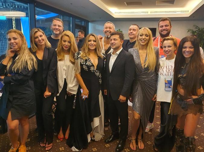 Трек-лист концерта на Олимпийском: MOZGI и Дорофеева исполнили народные песни, а Джамала и Сердючка - хиты