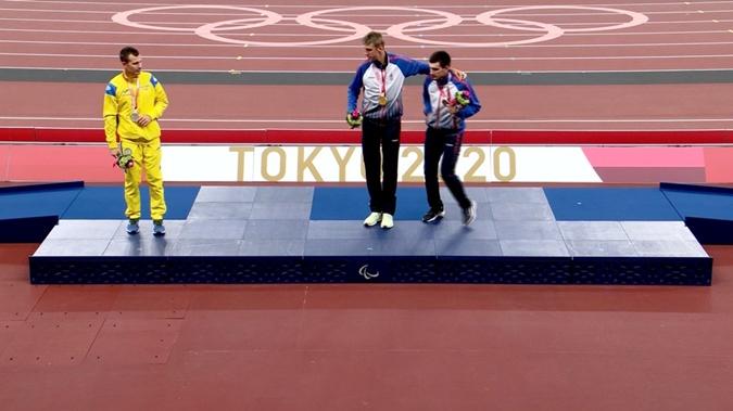 Украинский спортсмен на Паралимпиаде отказался фотографироваться с россиянами [фото]