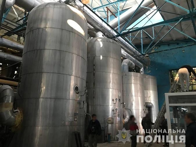 Пять человек госпитализировали после парового взрыва на сахарном заводе в Киевской области фото 1