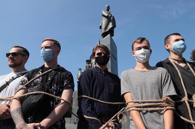 Харьков Прайд-2021: полиция насчитала 1500 участников, а организаторы - 3000 фото 2