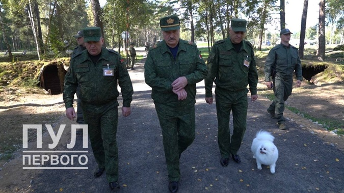 Лукашенко попросил у России ракетные комплексы С-400: Мы должны готовиться - 1200 км граница с Украиной фото 4