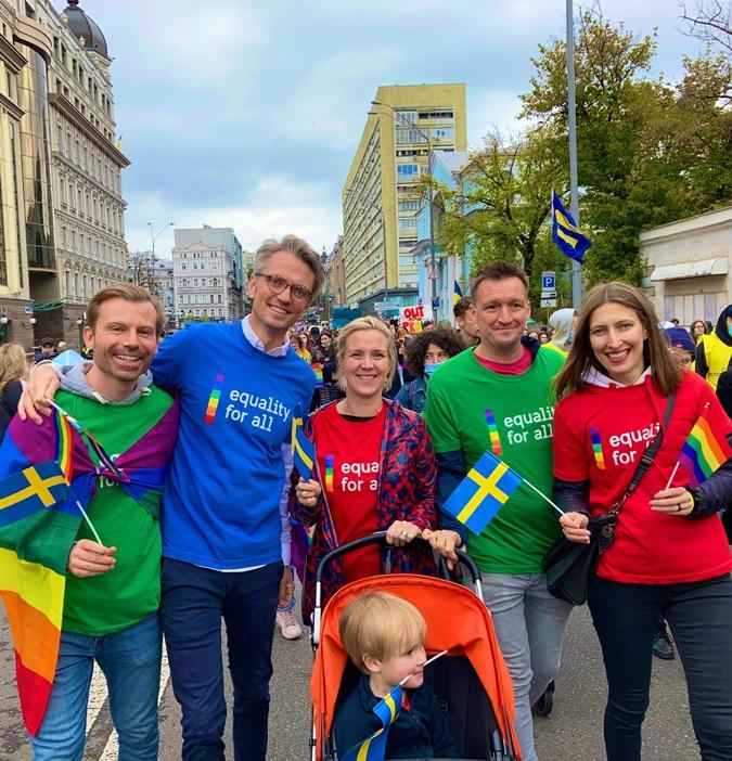 Посол Швеции Тобиас Тиберг (второй слева).