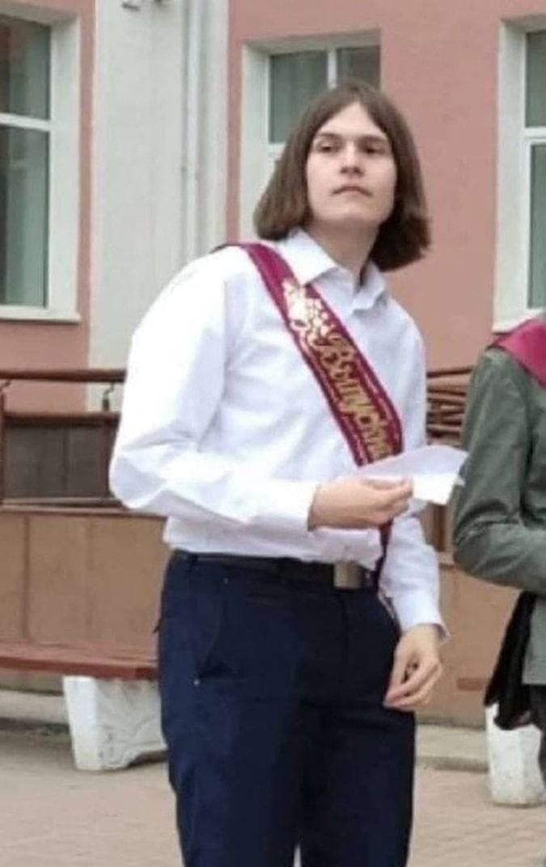 Тимур Бекмансуров на последнем звонке в 60-й школе.