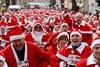 А к очень-очень послушным детям приходит не один, а 500 Дедов Морозов!