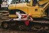 Мужские пародии на женские фотосессии Масика Мэй