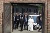 Папа Римский побывал в концлагере Освенцим